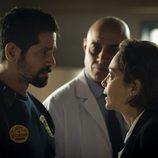 Valbuena y Miranda hablando en el capítulo 12 de 'Vis a vis'