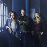 Jennifer Lopez, Ray Liotta y Drea de Matteo protagonizan 'Shades of Blue'