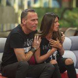Carlos Lozano abraza a Laura Matamoros en la gala 14 de 'Gran Hermano VIP'