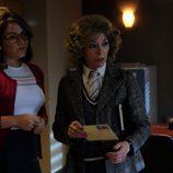Paloma y Margarita organizándose en 'El Caso'