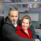 Charo Molina y Jesús Cabrero posan para 'Centro Médico'