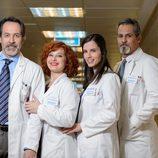 Doctores de 'Centro Médico' posan sorientes