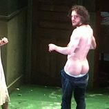 Kit Harington se desnuda en la obra de teatro 'Doctor Fausto'