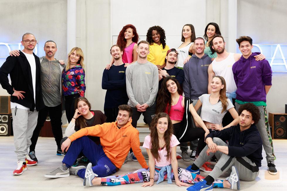 Los concursantes y los profesores de 'Top Dance' en la academia