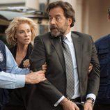 Luís es arrestado de forma forzosa en 'La embajada'