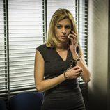 Macarena habla por teléfono en el capítulo 14 de 'Vis a vis'