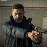Fabio apunta con una pistola en 'Vis a vis'