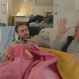 Iñaki y el padre de Carmen se despiertan juntos en 'Allí abajo'