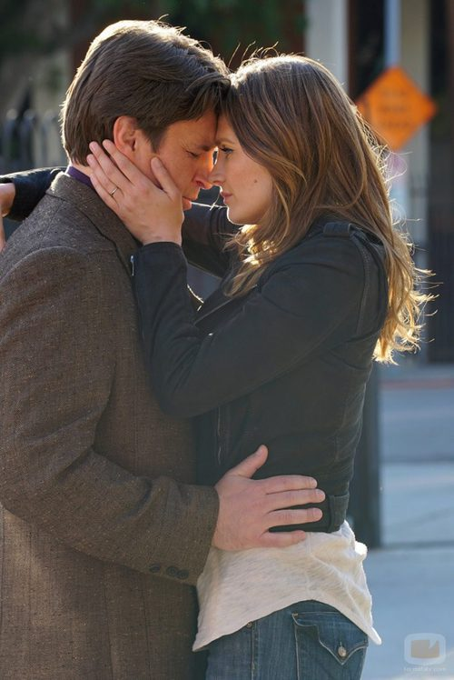 Castle y Beckett comparten un momento íntimo en 'Castle'