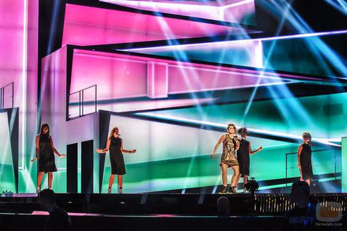 Barei ensaya con sus coristas en el tercer ensayo del Festival de Eurovisión 2016
