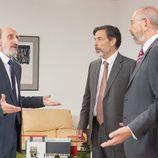Enrique habla con la directiva de su partido