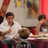 Los hermanos Rivas comen con los hijos de Amador