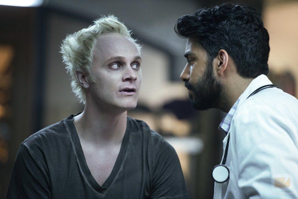 Rahul Kohli y David Anders son protagonistas de 'iZombie'