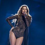 "Iveta Mukuchyan canta ""LoveWave"" durante la primera semifinal de Eurovisión 2016"
