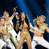 "Samra canta ""Miracle"" durante la primera semifinal de Eurovisión 2016"