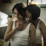 Zulema flirtea con Helena, la nueva presa, en 'Vis a vis'