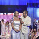 """Belén Esteban recibe el premio de la """"Sálvame Fashion Week"""""""
