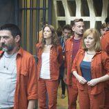 Los protagonistas ingresan en la cárcel en 'Supermax'
