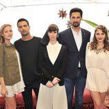 Paz Vega, Stany Coppet, Jesús Castro, Andrea Duro y Lucía Guerrero en 'Perdóname Señor'