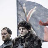 """Ramsay Bolton lidera a sus hombres en """"La batalla de los bastardos"""" de 'Juego de Tronos'"""