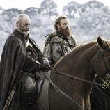 """Davos Seaworth y Tormund Giantsbane antes de """"La Batalla de los Bastardos"""" de 'Juego de Tronos"""