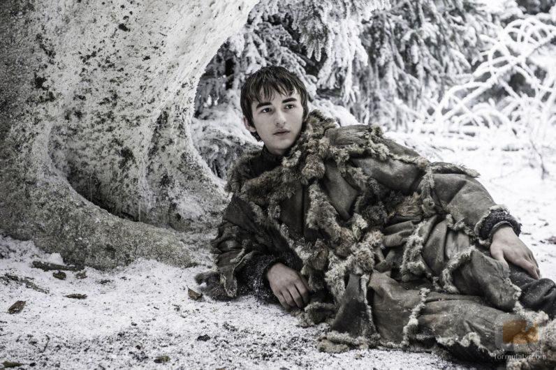 """Bran Stark sigue huyendo de los caminantes blancos en """"Vientos de invierno"""""""