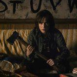 Winona Ryder da vida a Joyce, la madre del niño que desaparece en 'Stranger Things'