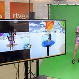 Almudena Cid prueba la realidad virtual