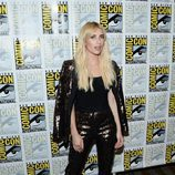 Emma Roberts de negro en la 'Comic Con'