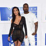 Kim Kardashian y Kanye West en la gala de los VMA 2016 de la MTV