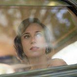 Marta Ribas en el interior de un vehículo en el primer episodio de 'La sonata del silencio'