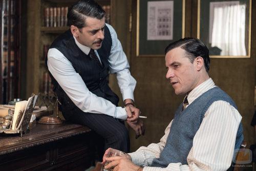 Antonio Montejano y Rafael Figueroa en el primer episodio de 'La sonata del silencio'