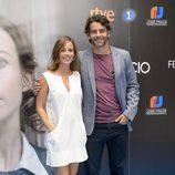 Marta Etura y Eduardo Noriega en la presentación de 'La sonata del silencio' en el FesTVal de Vitoria
