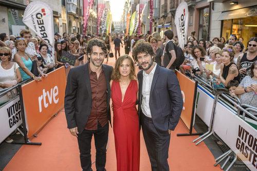 Eduardo Noriega, Marta Etura y Daniel Grao en el preestreno de 'La sonata del silencio' en el FesTVal de Vitoria