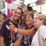 Raquel Sánchez Silva con fans en el FesTVal 2016 de Vitoria