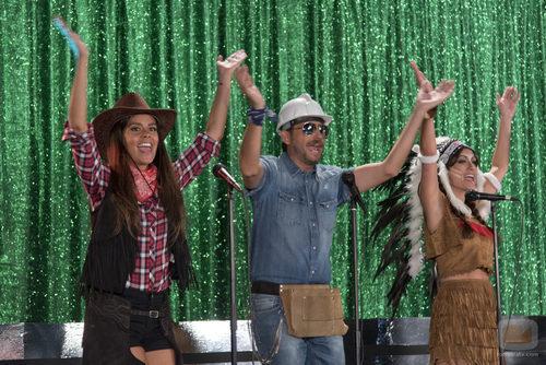 Cristina Pedroche, Frank Blanco y Ana Morgade en el especial 'Zapeando'