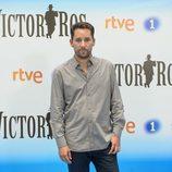 Javier Godino en la presentación de la segunda temporada de 'Víctor Ros' de RTVE