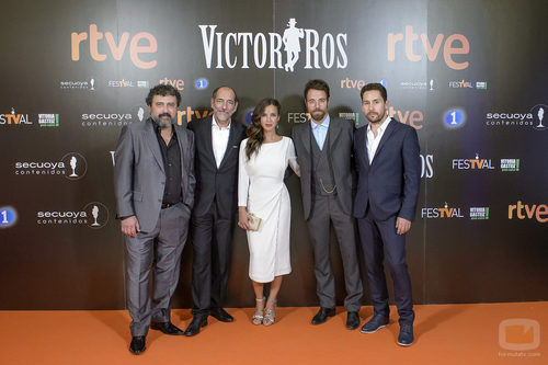 Los actores de la segunda temporada de 'Víctor Ros' en su preestreno