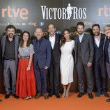 El equipo de la segunda temporada de Víctor Ros' en su preestreno
