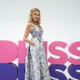 Ana Obregón posa sonriente delante del logo de Dkiss en FesTVal