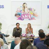 Presentación de 'Algo pasa con Ana' con los directores de DKiss