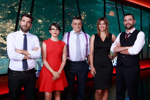 Los presentadores y colaboradores de 'El intermedio'