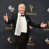 Jon Voight en la alfombra roja de los Premios Emmy 2016
