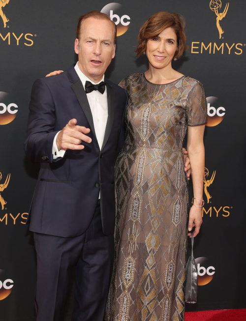 Bob Odenkirk en la alfombra roja de los Premios Emmy 2016