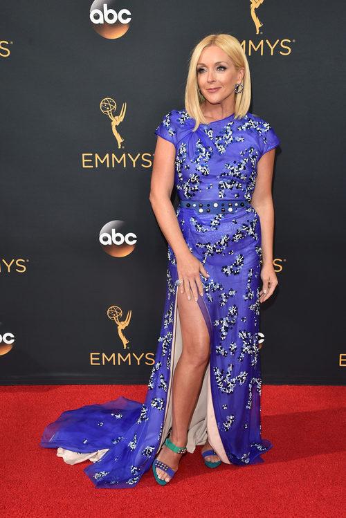 Jane Krakowski en la alfombra roja de los Premios Emmy 2016
