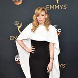 Natasha Lyonne en la alfombra de los Premios Emmy 2016