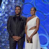 Anthony Anderson y Tracee Ellis Ross presentando en los Premios Emmy 2016