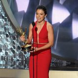 Tatiana Maslany recogiendo su Premio Emmy 2016