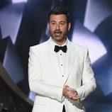 Jimmy Kimmell presentando los Premios Emmy 2016