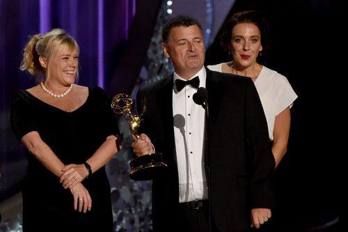 Steven Moffat recogiendo su Premio Emmy 2016